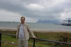 За спиной скала Гибралтар