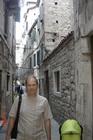 Саша на узких улочках Сплита